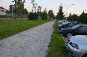 Chodnik wzdłuż ul.Okulickiego