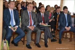 """Konferencja """"Od Rewitalizacji dointegracji"""" Nazdjęciu Antoni Kłosowski, Dariusz Przytuła, Piotr Pierścionek"""