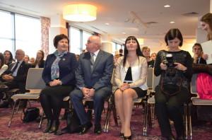 Od lewej: Renata Butryn - Poseł naSejm, Jacek Wojtas - Kurator Oświaty wRzeszowie, Małgorzata Chomycz-Śmigielska Wojewoda Podkarpacki