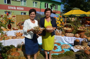Od lewej: Wice Burmistrz Niska Teresa Sułkowska iPoseł naSejm RP Renata Butryn
