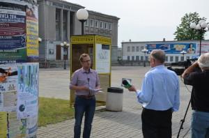 Inicjator wprowadzenia wStalowej Woli Budżetu Obywatelskiego - Dariusz Przytuła podczas wywiadu dla TVP Rzeszów