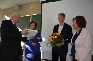 Od lewek Prezes HSW Antoni Rusinek, Poseł Renata Butryn, Student PRz, Marszałek Sejmu RP