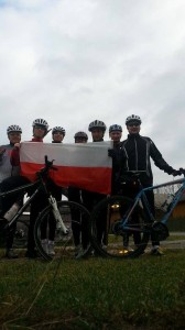 Członkowie Stowarzyszenia Rowerzyści zeStali - Stalowa Wola - 11 listopada.