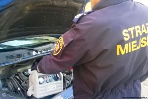 Straż miejska wroli pomocy drogowej