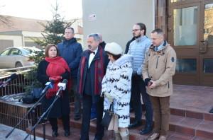 Konferencja prasowa przedUrzędem Miasta wStalowej Woli wdniu 6 lutego 2018r.
